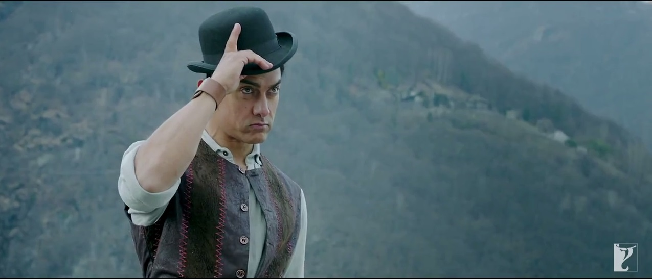 Cute Look Of Aamir With His Famous Cap In Dhoom 3