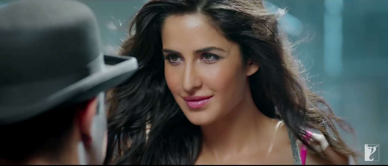 Katrina Kaif Looking Very Very Hot in Dhoom 3