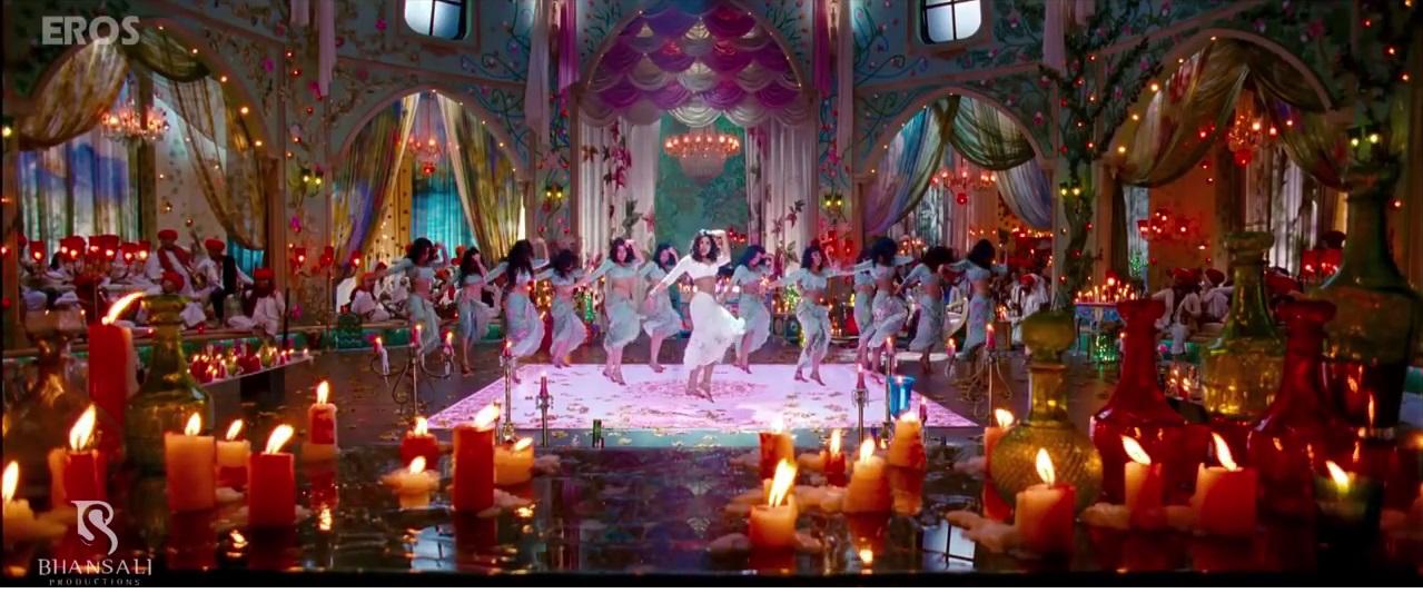 Priyanka Chopra With Her Dance Group in Goliyon Ki Rasleela Ramleela Title Song