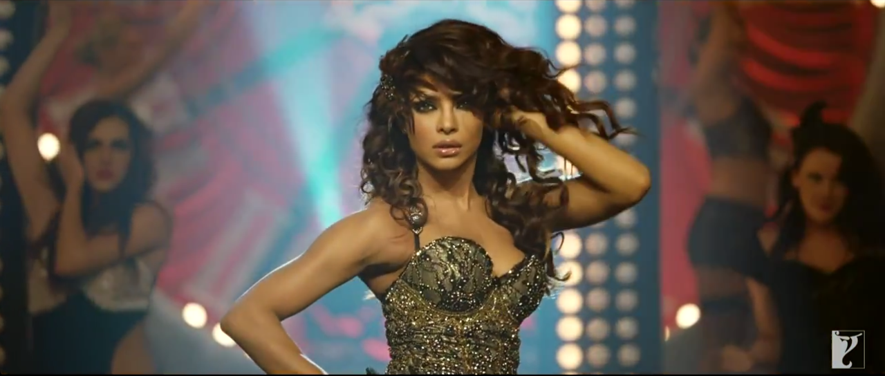 Sexy Priyanka Chopra Dance In Gunday (2014) Movie