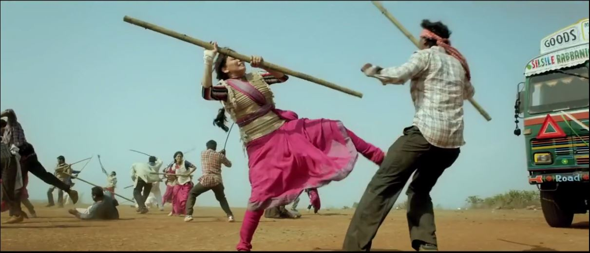 Action Of Madhuri In Gulaab Gang (2014) Movie Official Trailer