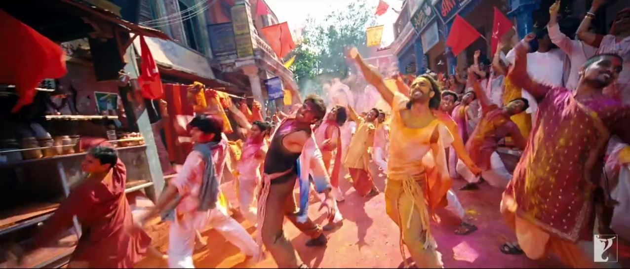 Colorful Dance Of BIkram And Bala In Gunday Movie Song Jashn E Ishqa