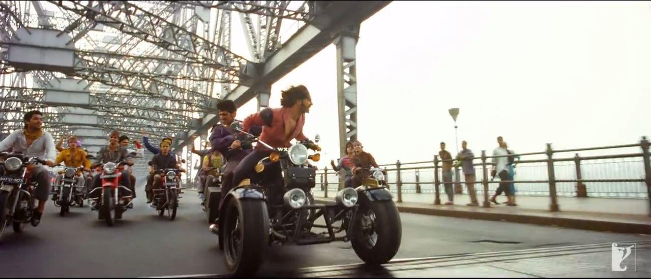 Four Wheeler Bike In Jashn E Ishqa Video Song - Gunday Movie