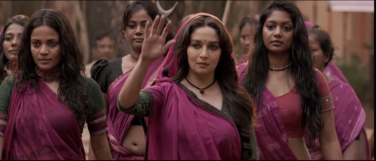 Madhuri Dixit With Her Team In Gulaab Gang