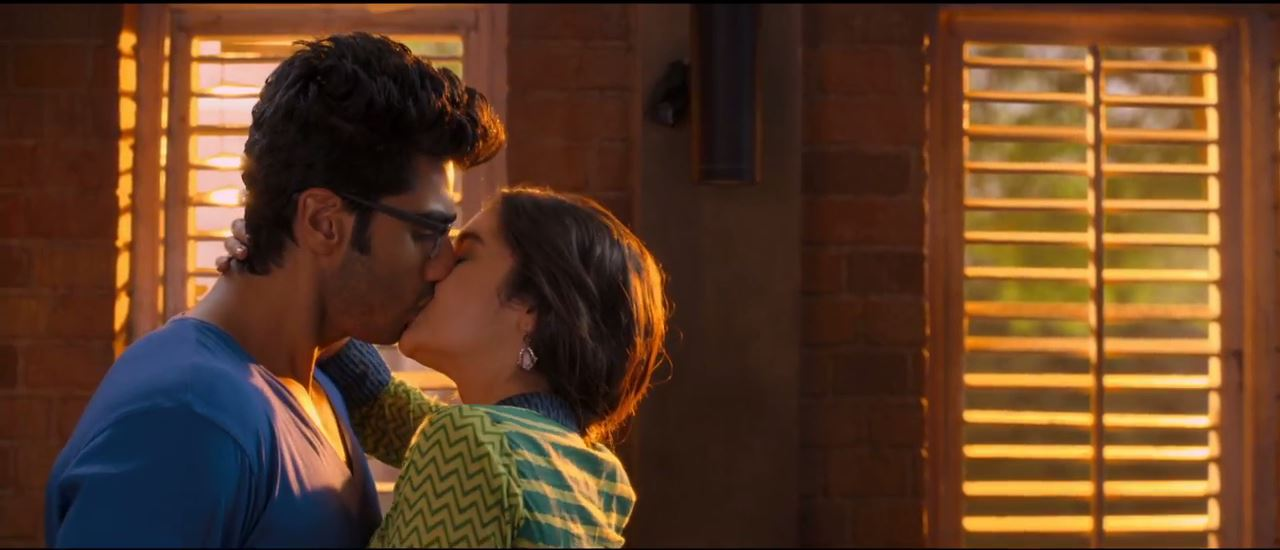 2 States: Kissing Scene Of Alia Bhatt And Arjun Kapoor