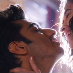 2 States Movie: Passionate Kissing by Arjun Kapoor And Alia Bhatt In The Official Trailer of 2 States