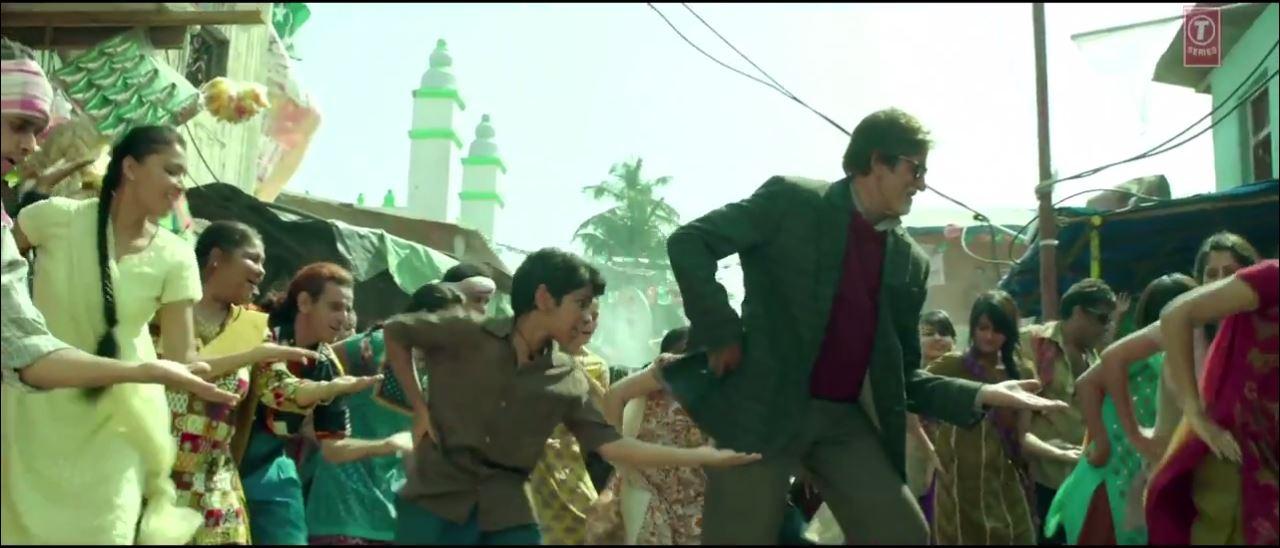 Bhoothnath Returns Amitabh Bachchan And Parth Bhalerao Dancing In The  HD Video Song Of Party Toh Banti Hai