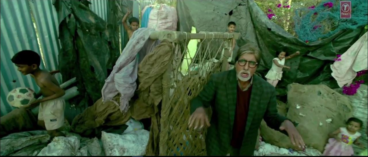 Bhoothnath Returns Video Song: Party Toh Banti Hai ft. Amitabh Bachchan