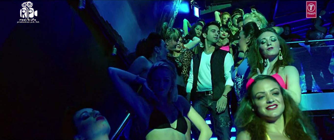 Butt Patlo Video Song With Awsome Look By Pulkit Samrat