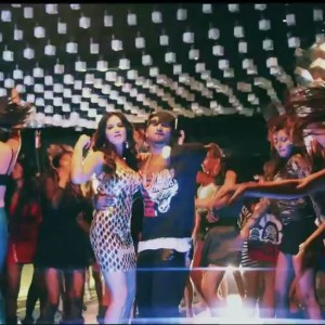 Dancing Sunny Leone And Honey Singh In Chaar Botal Vodka Video Song