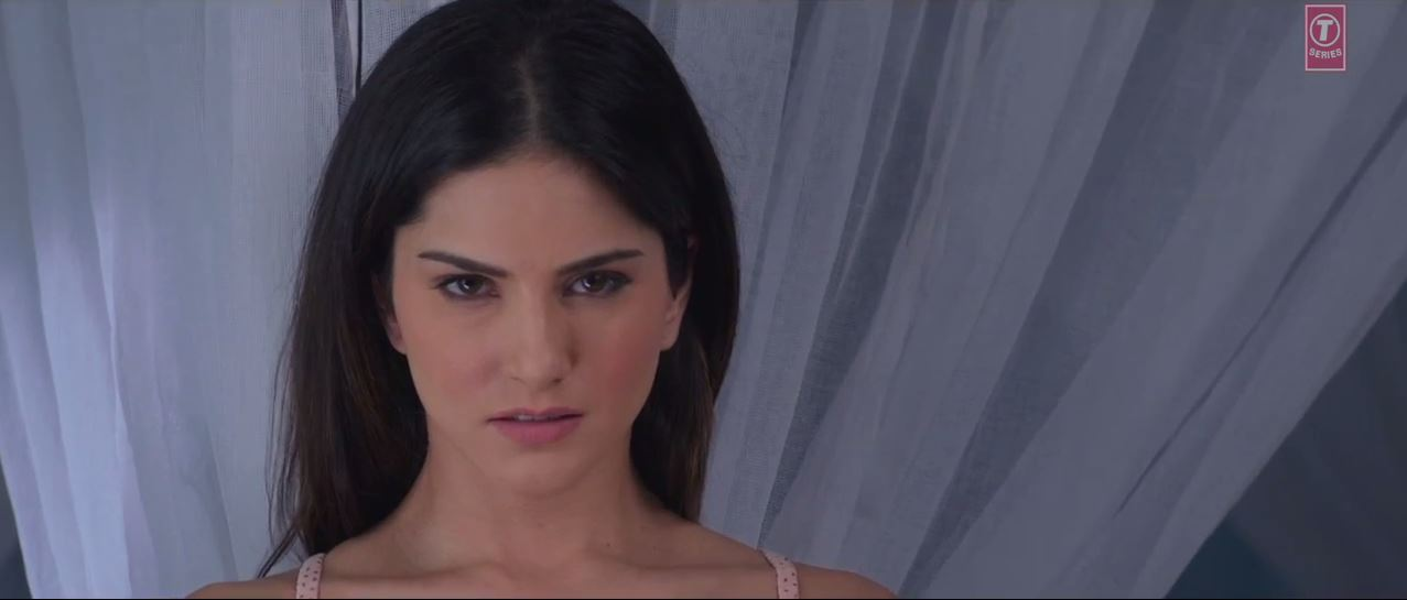 Ragini MMS 2 - Sunny Leone Is Looking Extra Hot In A Video Song