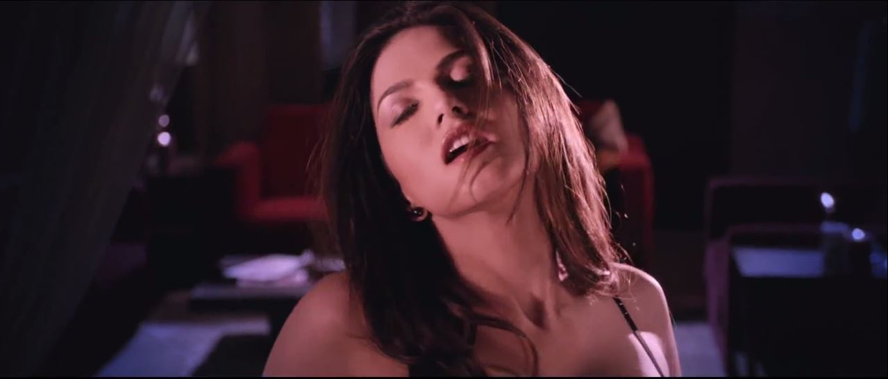 Ragini MMS 2 Trailer - Sexy Sunny Leone Looking Very Hot
