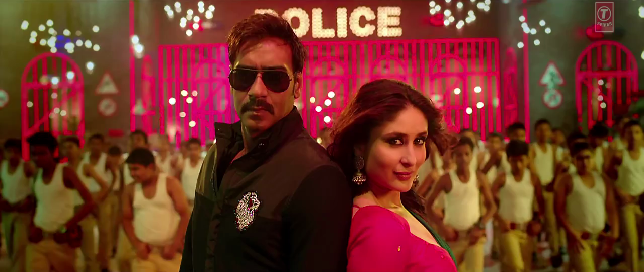 Kareena Kapoor Khan & Ajay Devgan in Aata Majhi Satakli Video Song