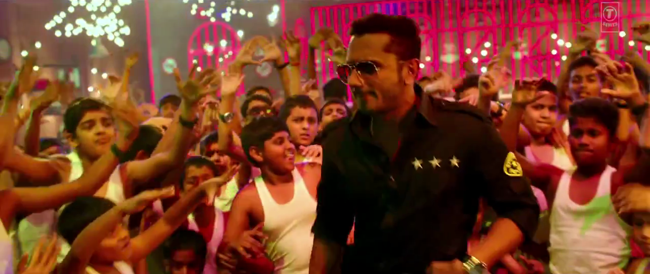 Yo Yo Honey Singh Rapping in Aata Majhi Satakli Music Video Song