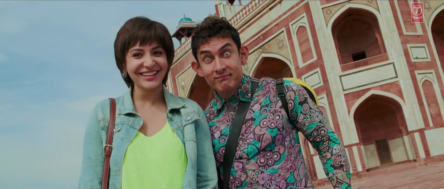 Aamir Khan and Anushka Sharma Funny Face in Love is a Waste of Time Video Song