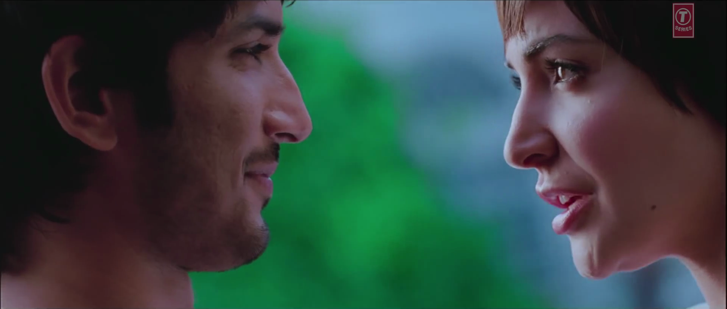 Anushka Sharma and Sushant Singh Rajput Smile Face