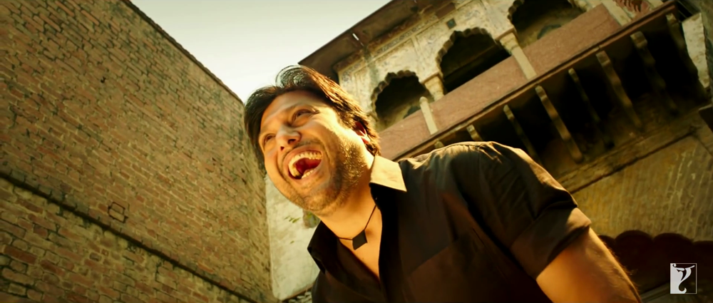 Govinda Loud Laughing In Kill Dil Title Song