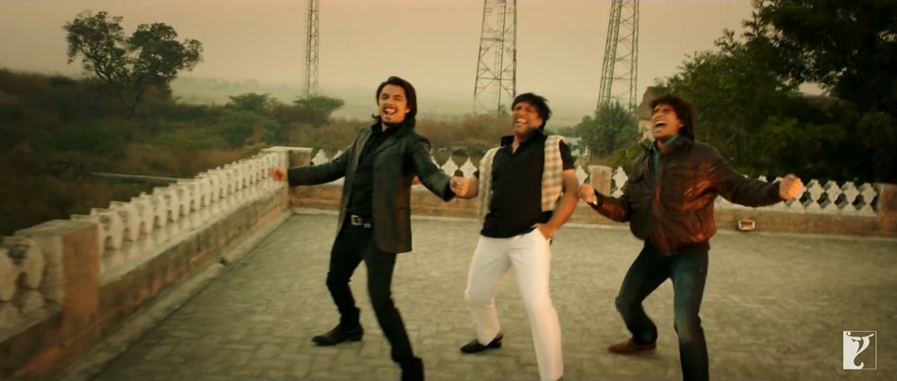 Ranveer Singh Ali Zafar and govinda Dance in Kill Dill Title Song