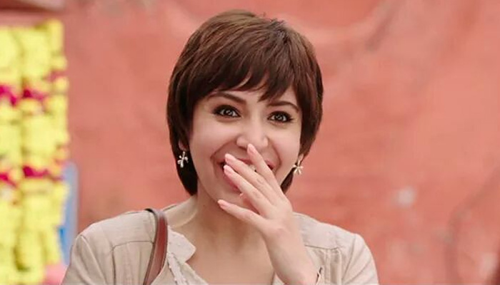 Jagat Janani Anushka Sharma HD Video from PK Movie