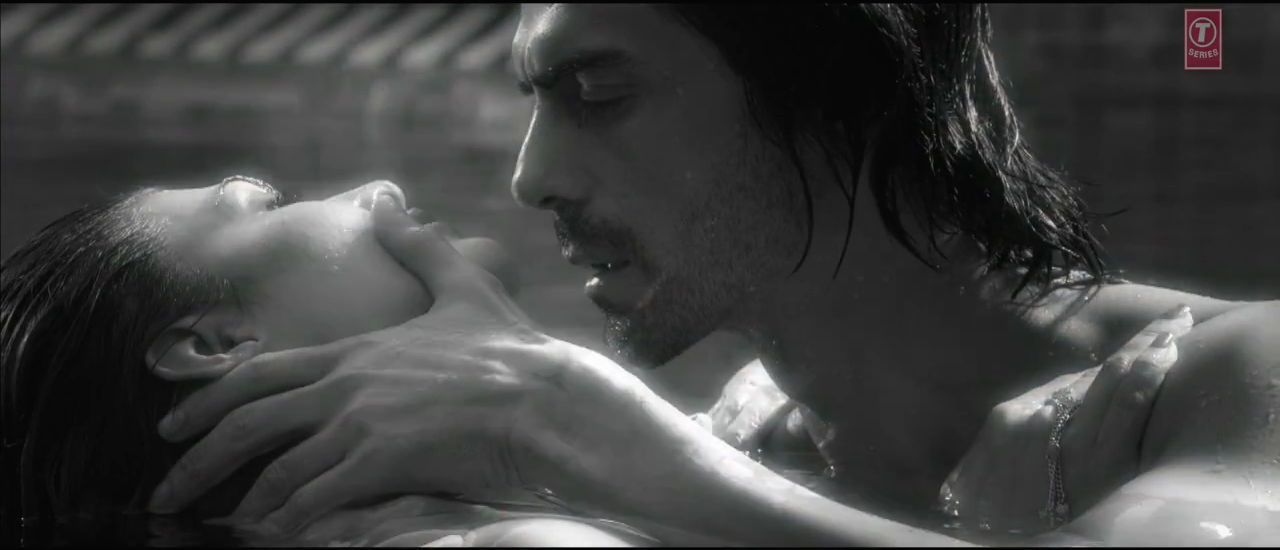 Arjun Rampal And Jacqueline Fernandez In Boond Boond Song Of Roy Movie