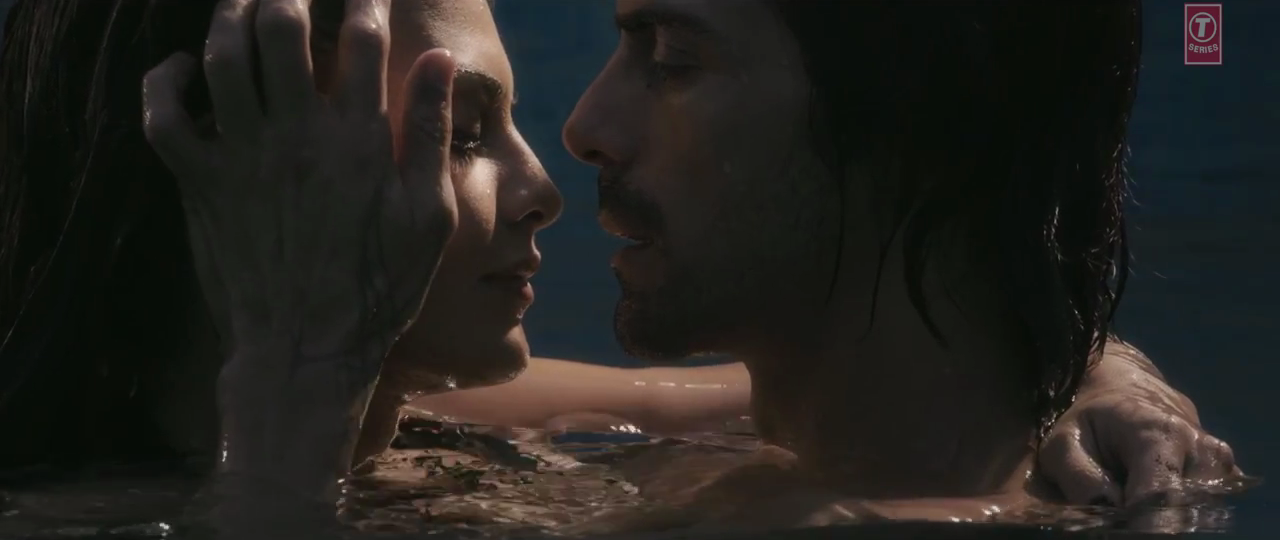 Arjun Rampal And Jacqueline Fernandez In Boond Boond Video Song