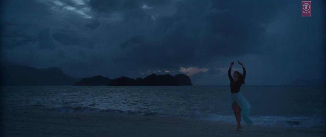 Jacqueline Fernandez Hot Dance Boond Boond Song