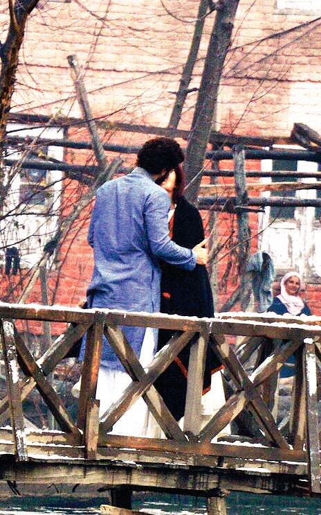 Katrina and Aditya Shoot A Kissing Scene for Fitoor Movie