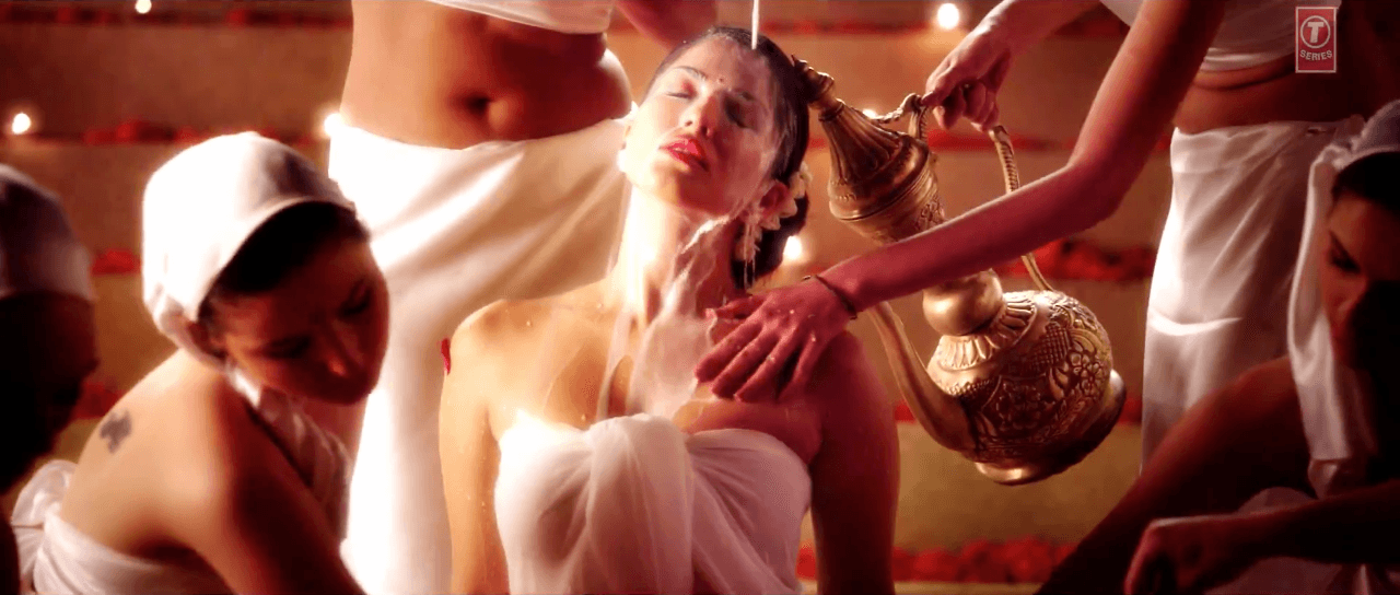 Ek Paheli Leela Movie: Sunny Leone Bath Scene in Desi Look HD Video Song