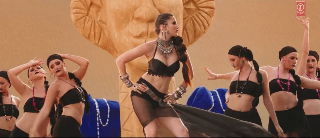 Sunny Leone Hot Look In Glamorous Ankhiyaan Song