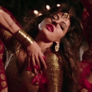 Aao Raja Video Song Sexy Dance Chitrangada