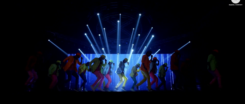 Dancers on Floor of Daaru Peeke Dance Video Song