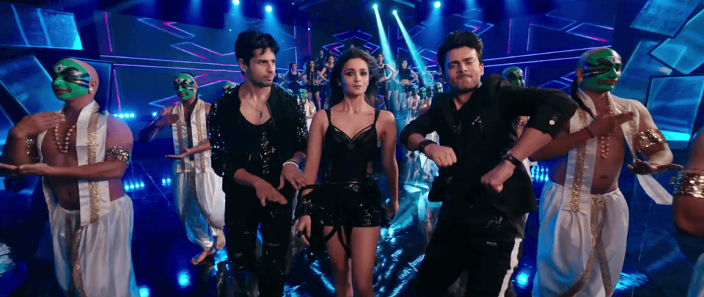 Kapoor and Sons - Alia, Sidharth, Fawad Dancing in the Let's Nacho Video