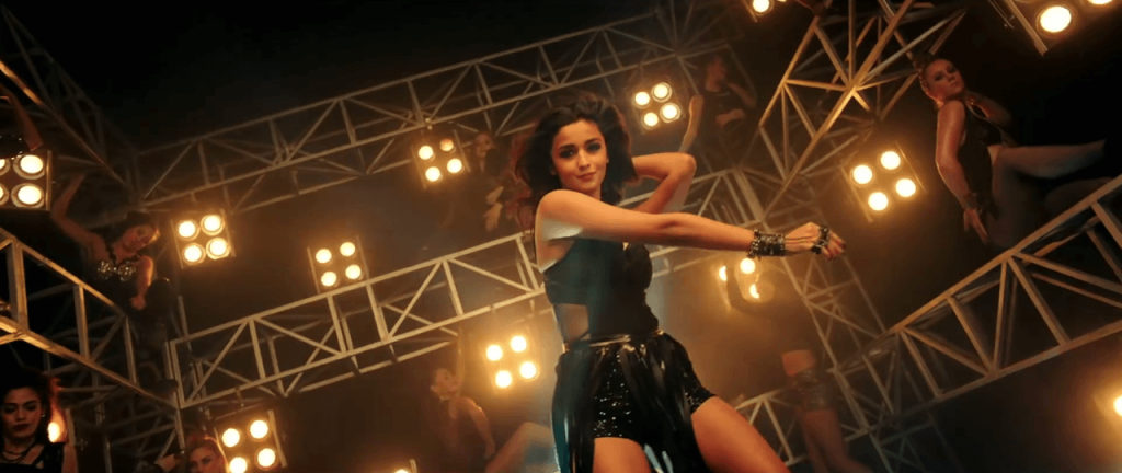 Kapoor and Sons - Dancing Alia in Black Dress on Dance Video of Let's Nacho