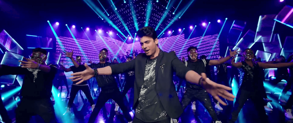 Kapoor and Sons - Fawad Khan in Let's Nacho Video Song