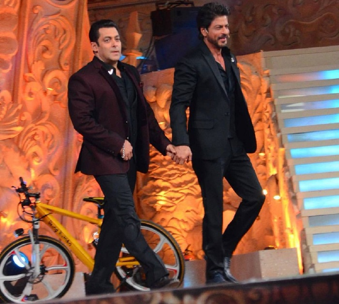Salman Khan With Shahrukh Khan Co Host Photo